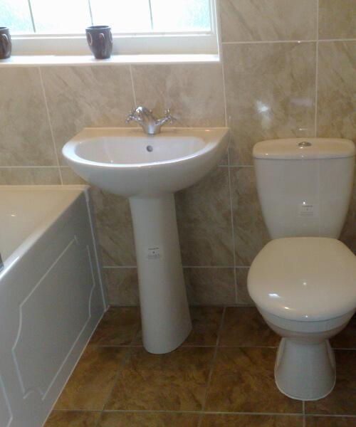 small-bathroom-fitting